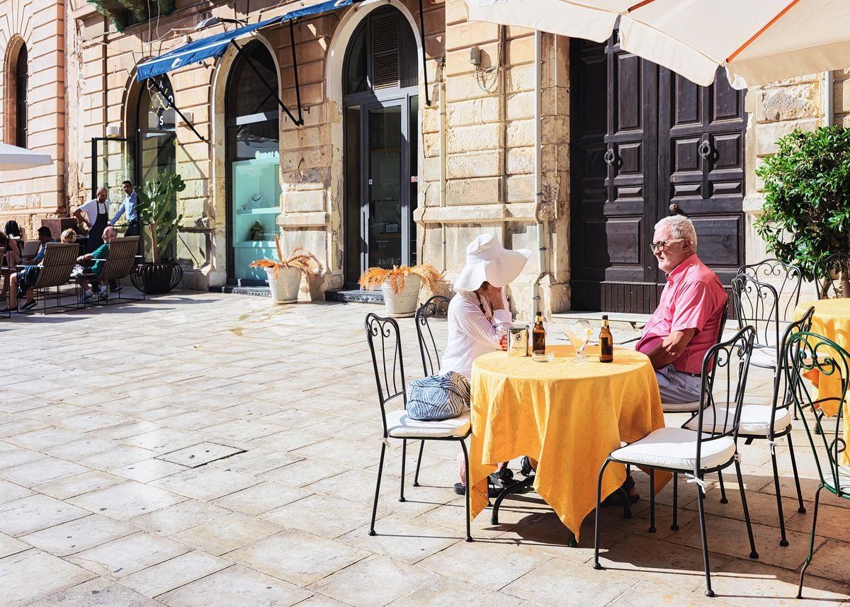 Dolce Far Niente: Learn The Italian Art Of Doing Nothing photo