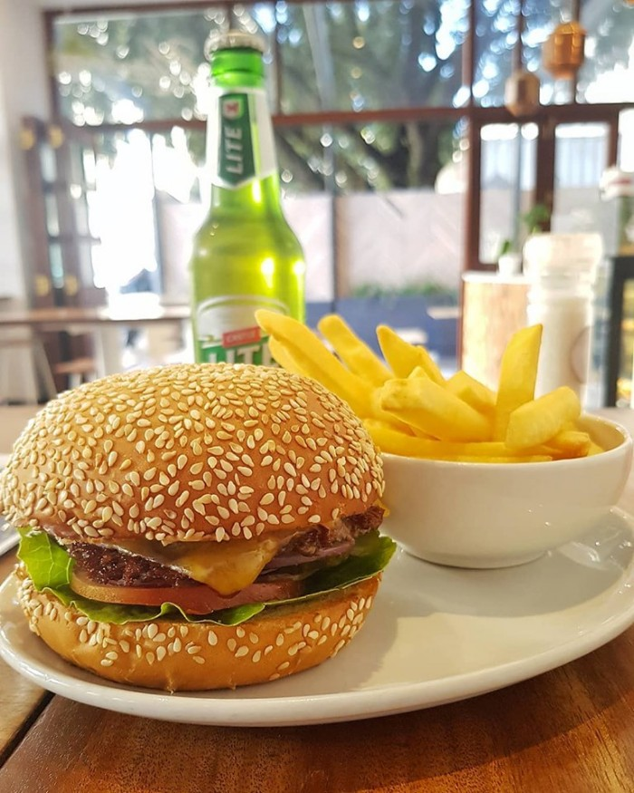 Burger, Chips and Beer photo