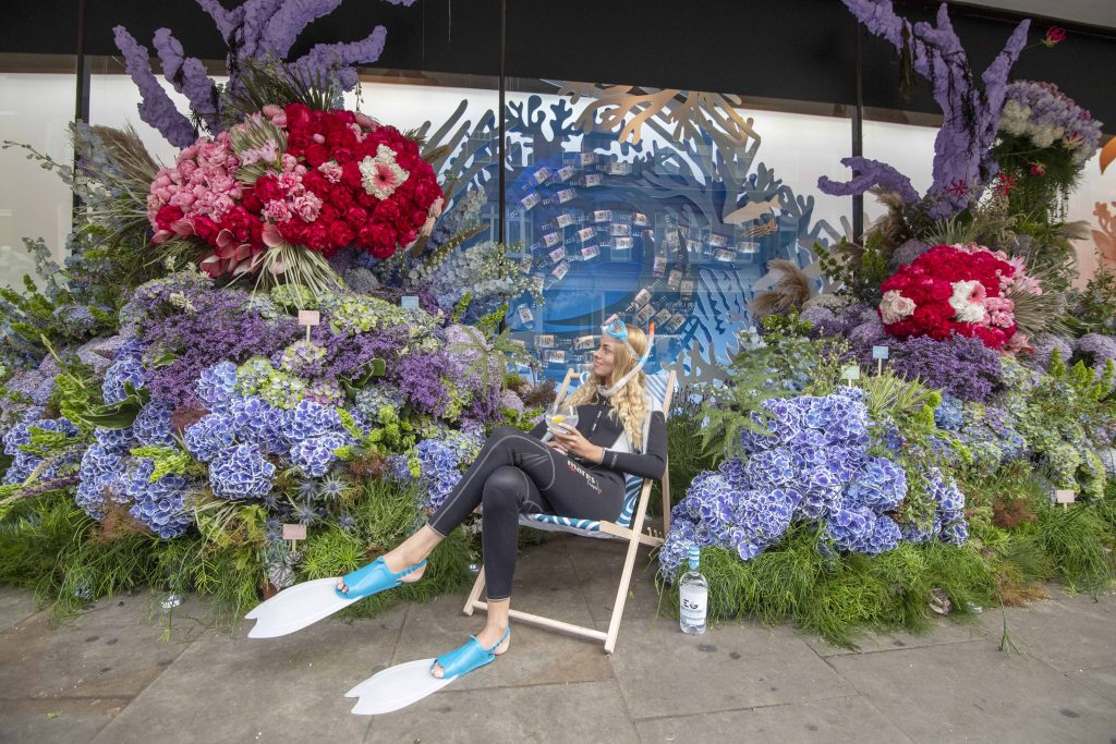 Seaside Gin In The City: Edinburgh Gin & John Lewis & Partners Unveil Giant Gin-themed Flower Display For Chelsea In Bloom photo