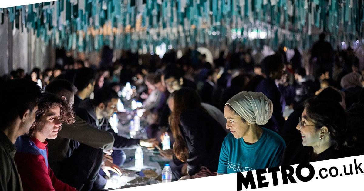 Lidl Gives Away Goody Bags To Muslims For Ramadan Tent Project's Open Iftar photo