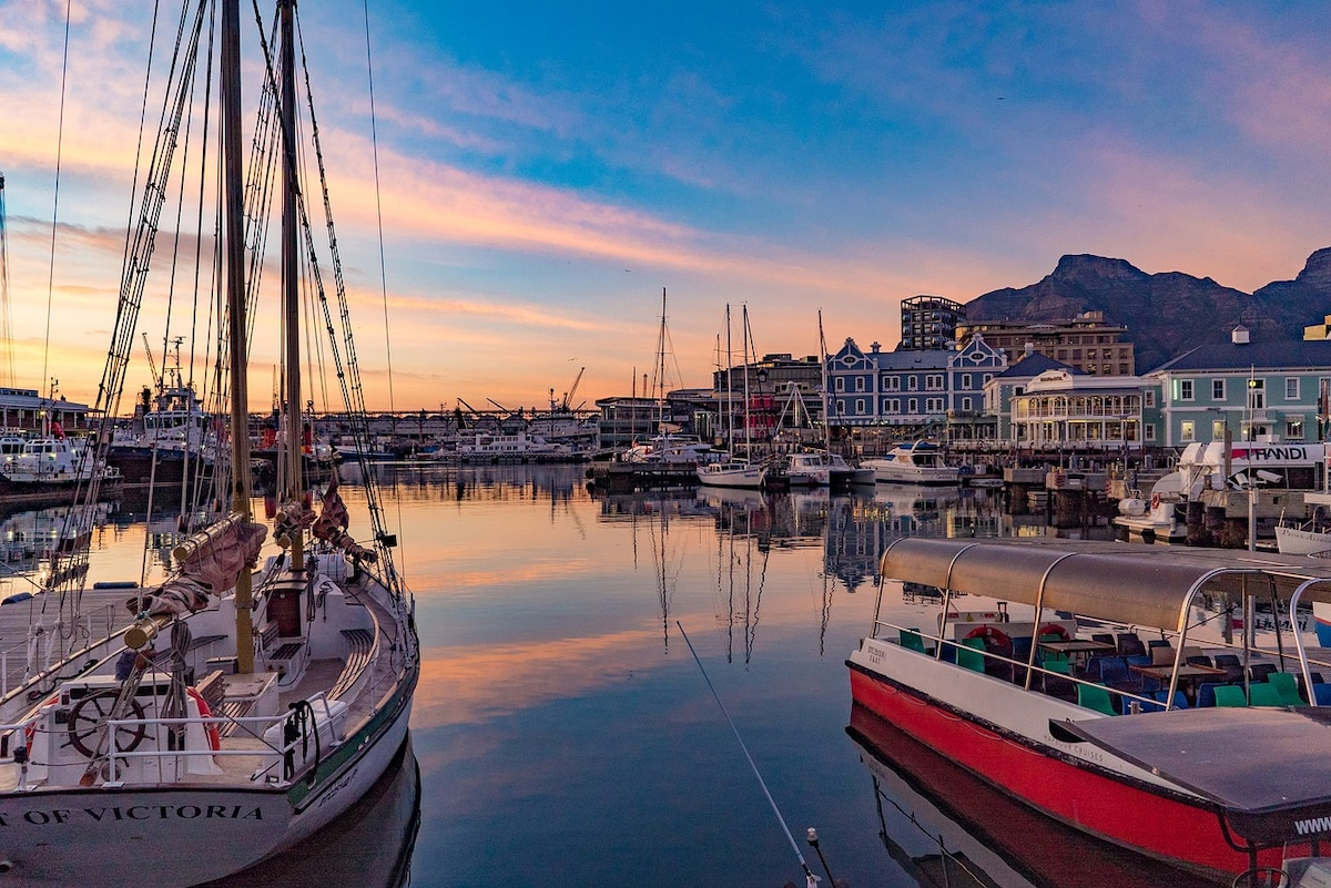 Romantic Ideas That Will Make Your Stay In Cape Town Worthwhile photo