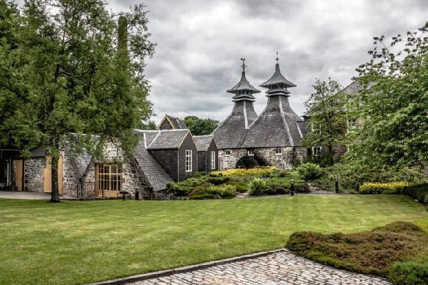 13 Of The Most Beautiful Scottish Whisky Distilleries photo