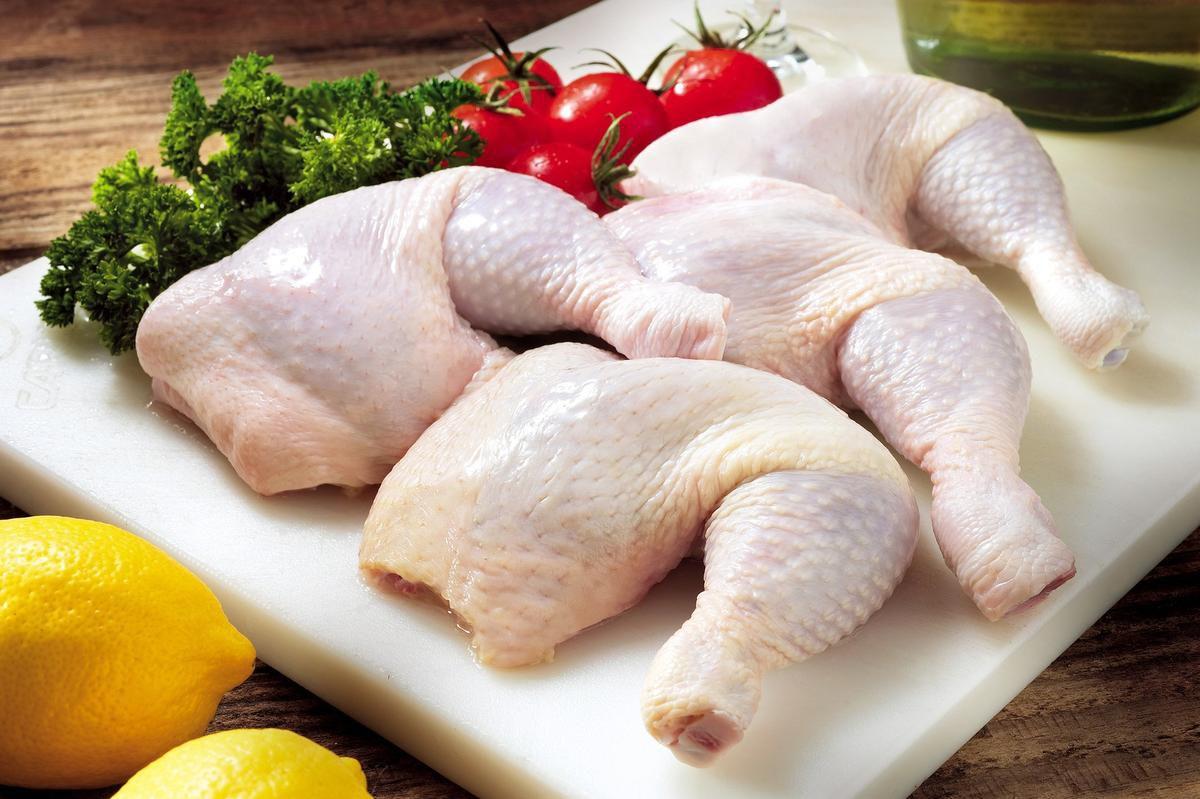 Chicken Debate Gets Raw Online photo