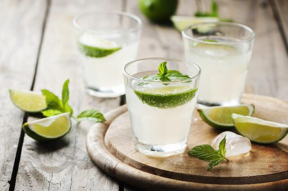 mint cocktail Toast To Guilt Free Sipping With These Calorie Conscious Cocktails