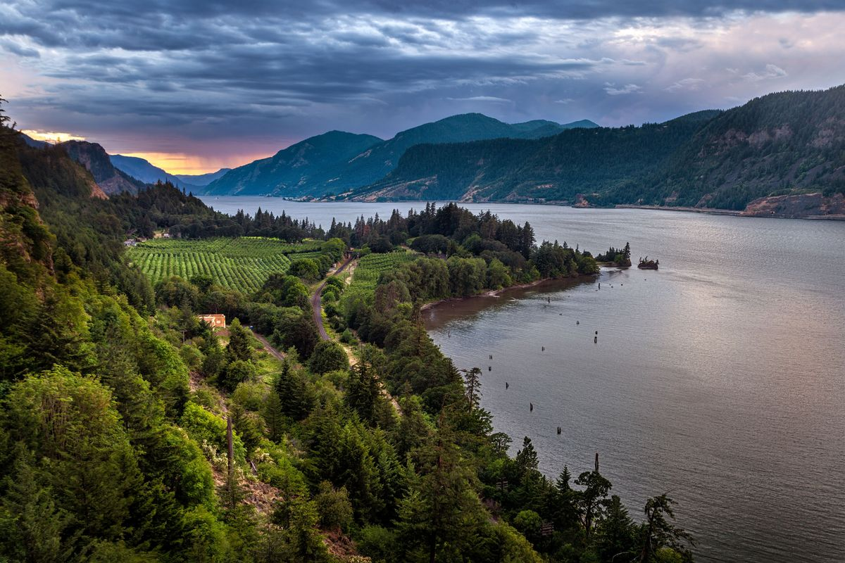 The Columbia River Gorge Is Alow-key Food And Wine Paradise photo
