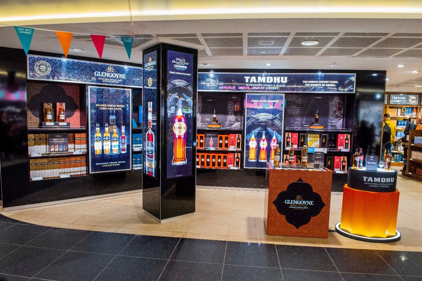 Ian Macleod Partners With Dufry To Showcase Travel Exclusives At Edinburgh Airport photo