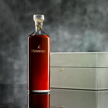 ?solid Growth? Of Hennessy Supports Lvmh Sales photo