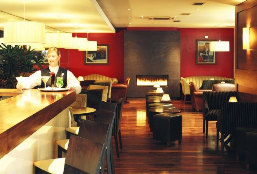 Brooks Hotel Good Food Ireland Jasmine Bar 2 6 Hotels With The Best Bars For Whisky Lovers