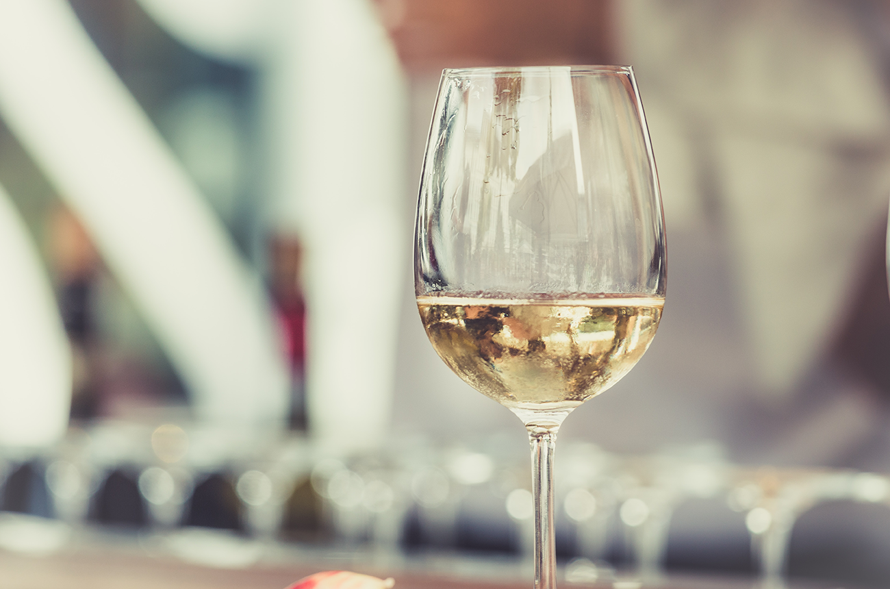 Europe Dominates Half Of Global White Wine Market photo