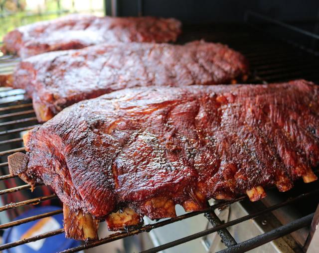 500g Smoked Pork Ribs and Beer photo