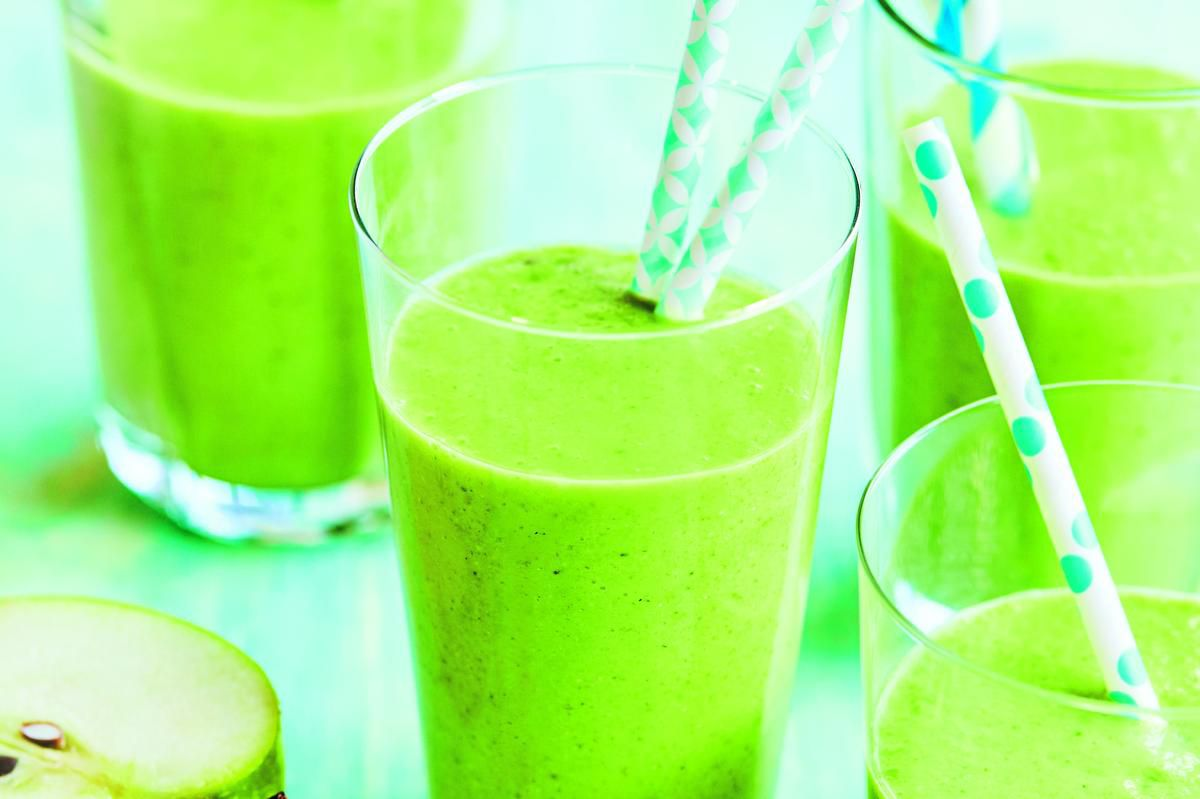 This Healthy And Refreshing Green Smoothie Will Keep You Fuelled On Hot Summer Days photo