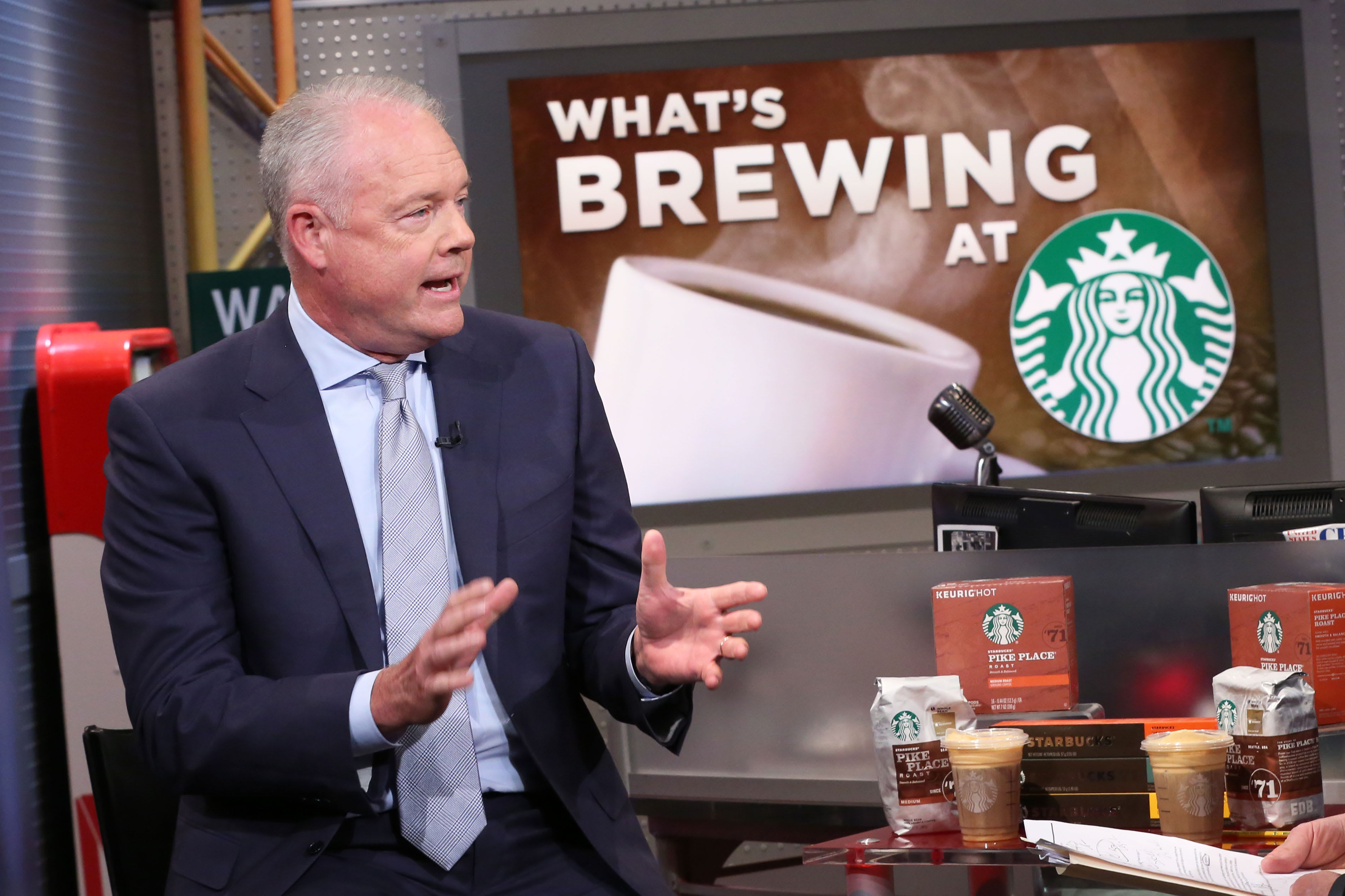 Starbucks Ceo Sees No Signs Of A Looming Recession photo