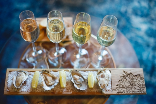 BoschendalManorHouseOctober2017byClaireGunnlres225 500 334 c1 Wine Estates with Oyster and Wine Pairings