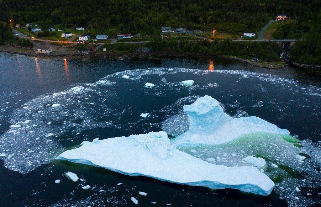 'iceberg Corridor' Sparks Tourist Boom On Canada's East Coast photo