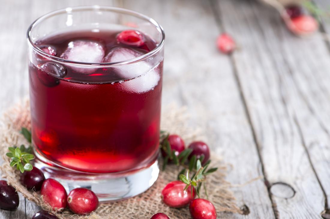 cranberry juice in a glass 3 Drinks To Keep Your Kidneys Clean