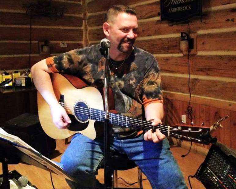 Richie Darling Stops At Saddle Mountain Brewing Co. In Goodyear Sept. 18 photo