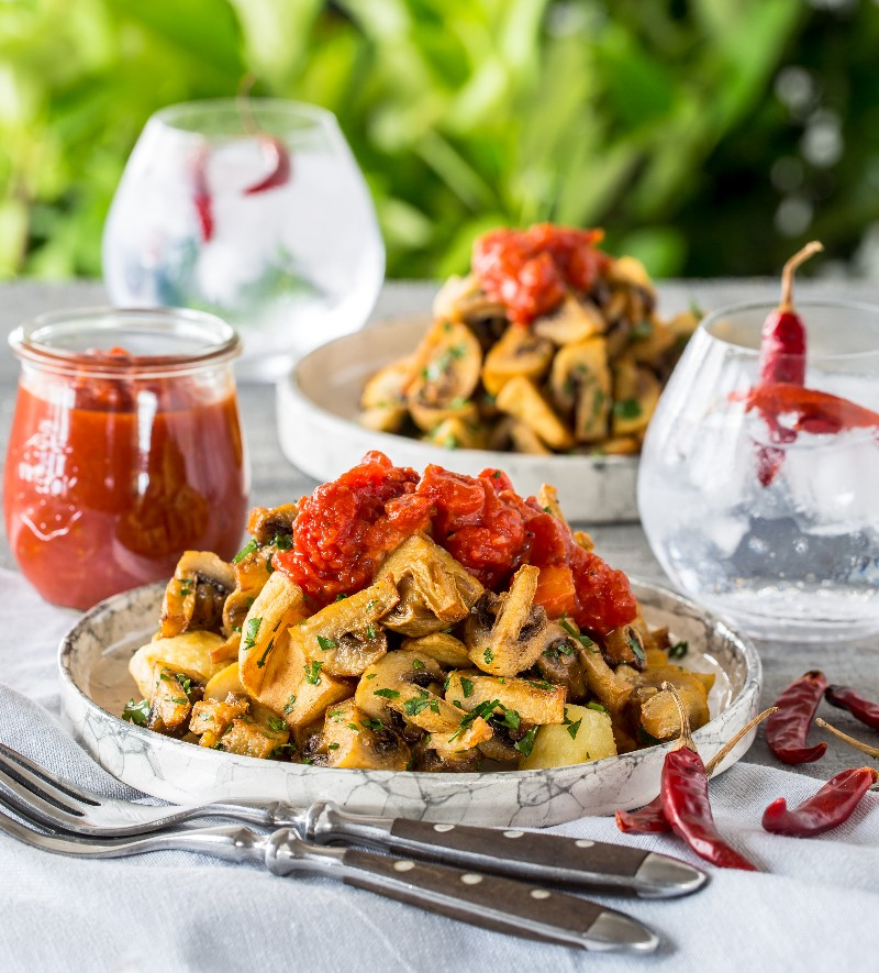 Scrumptious Mushroom Recipes Paired With Ice Cold Gin Drinks photo