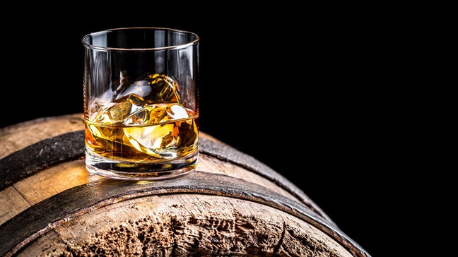 Irish Whiskey Masterclass: 11 Things You Need To Know photo
