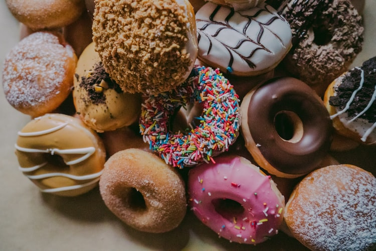 Celebrity Fitness Coach Says It's Best To Eat A Donut Before A Workout photo