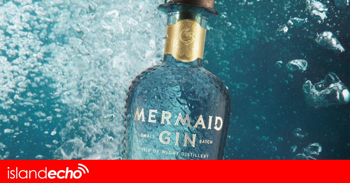 Isle Of Wight Distillery Celebrates International Design Award For Mermaid Gin photo