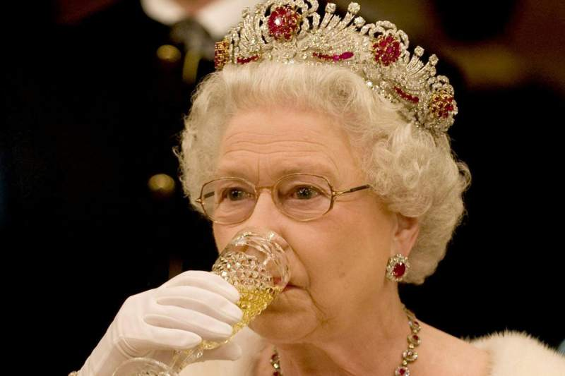 Queen Elizabeth's Diamonds Are Kept Sparkly with Gin and Water photo