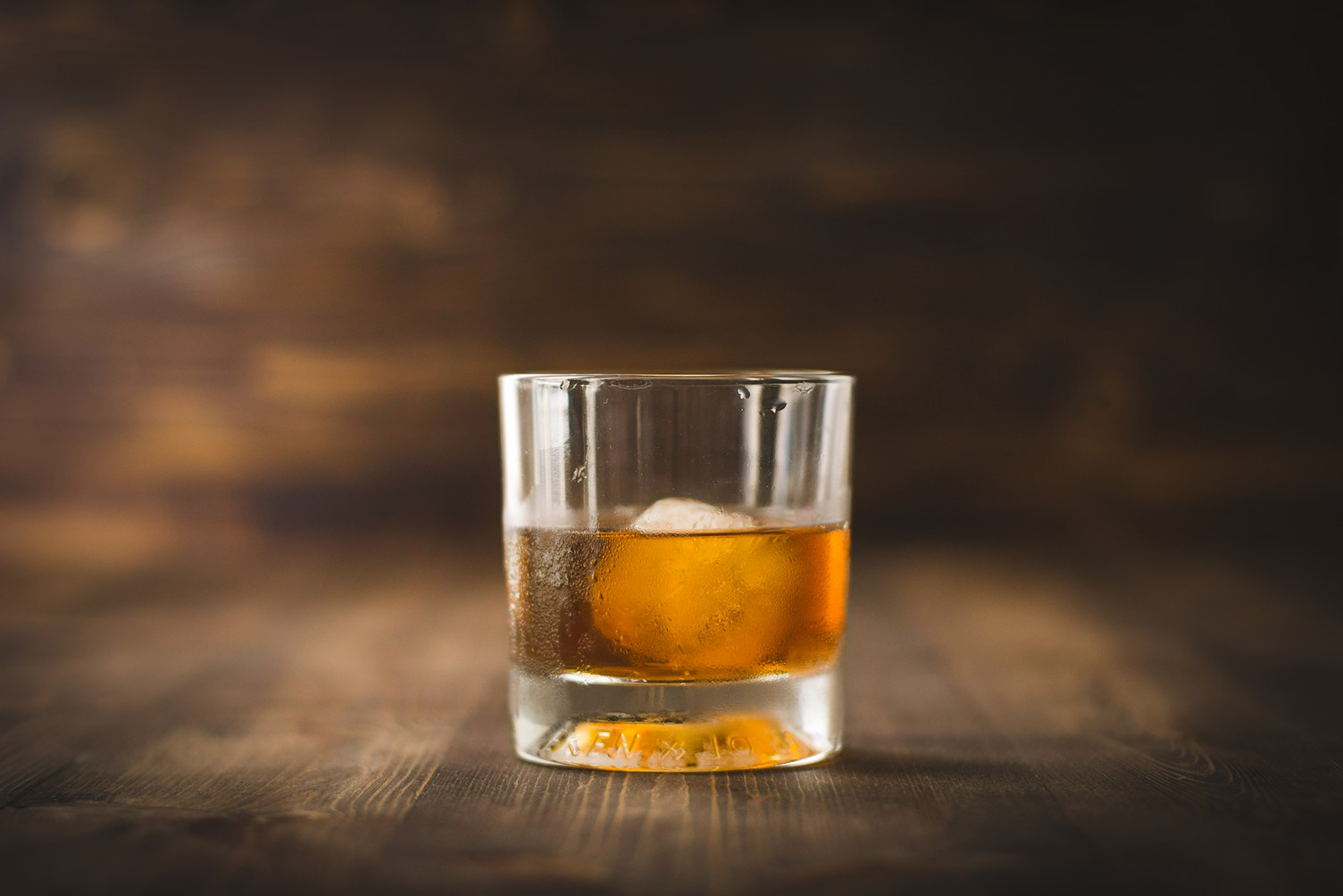 Handcraft Kitchen & Cocktails Hosts Jura Whisky Master Distiller Thurs. Nov. 21 photo