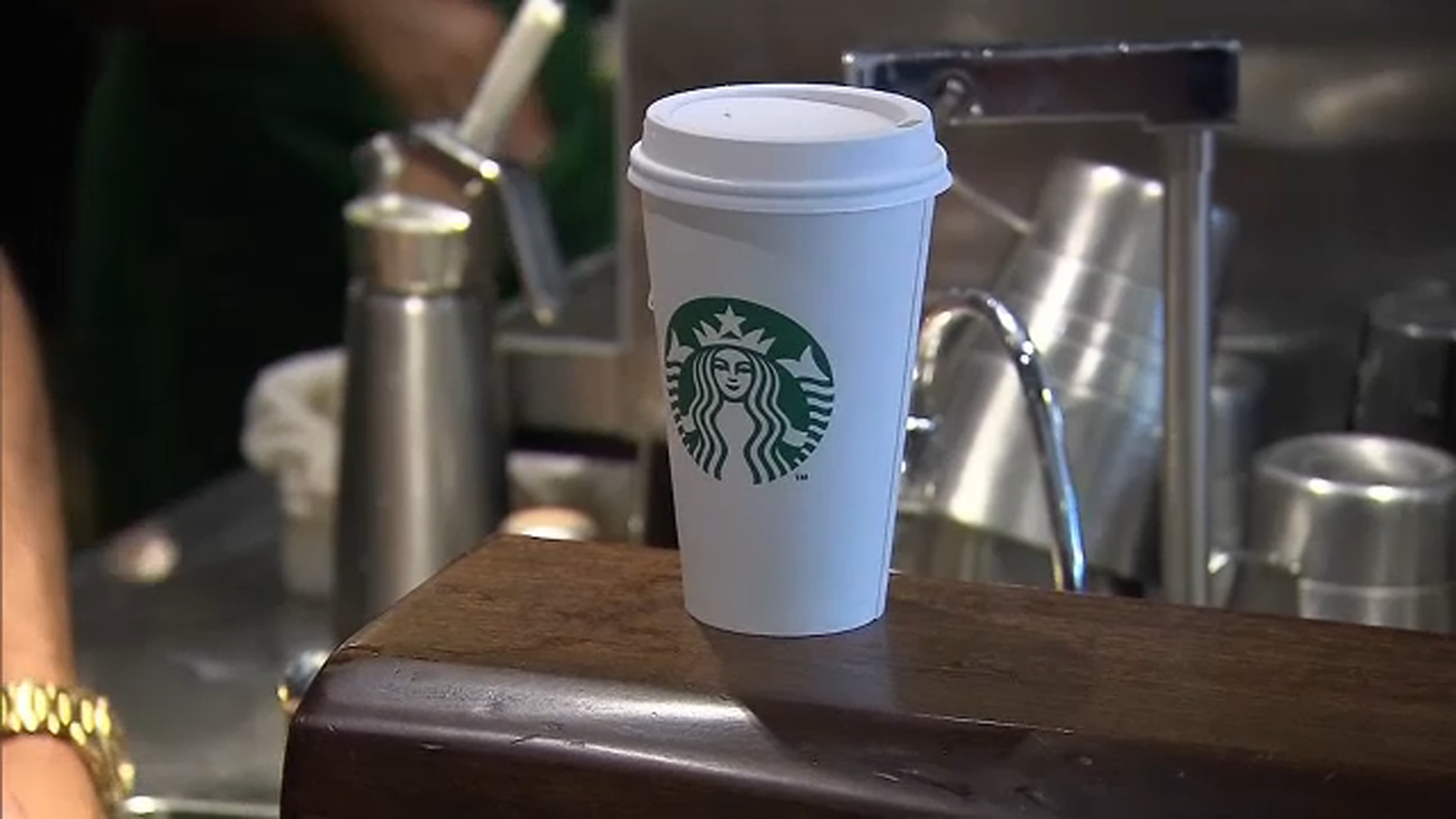 Starbucks Offers Free Coffee In 2-for-1 Deal In App Thursday Afternoon photo