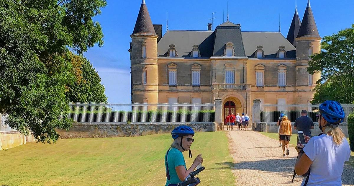 Bordeaux River Cruise Indulges Passions For Wine, Castles And Medieval Villages photo