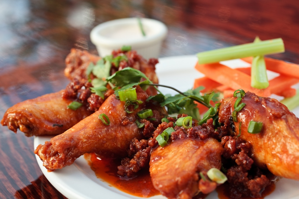 Houston's 10 Best Happy Hour Deals To Check Out Right Now photo