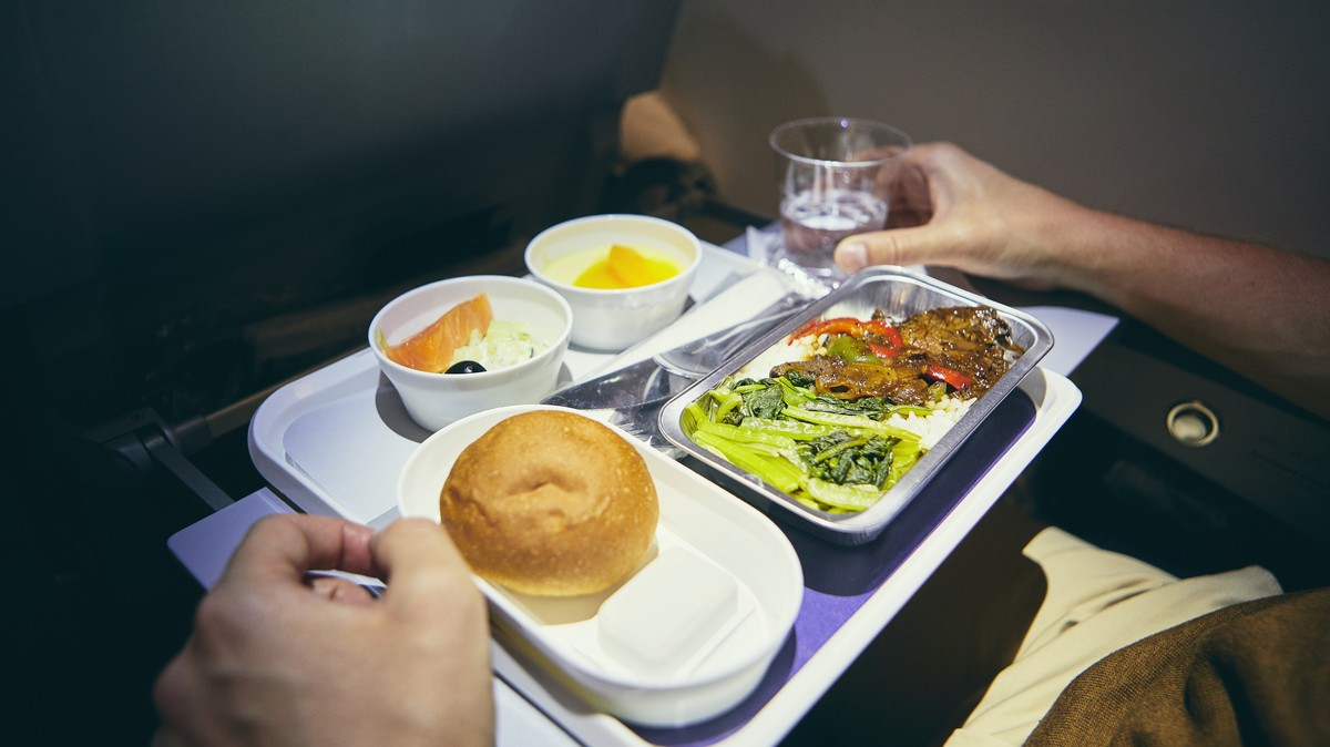Low-cost Airline Opens Restaurant To Prove Its Plane Food Doesn't Suck photo