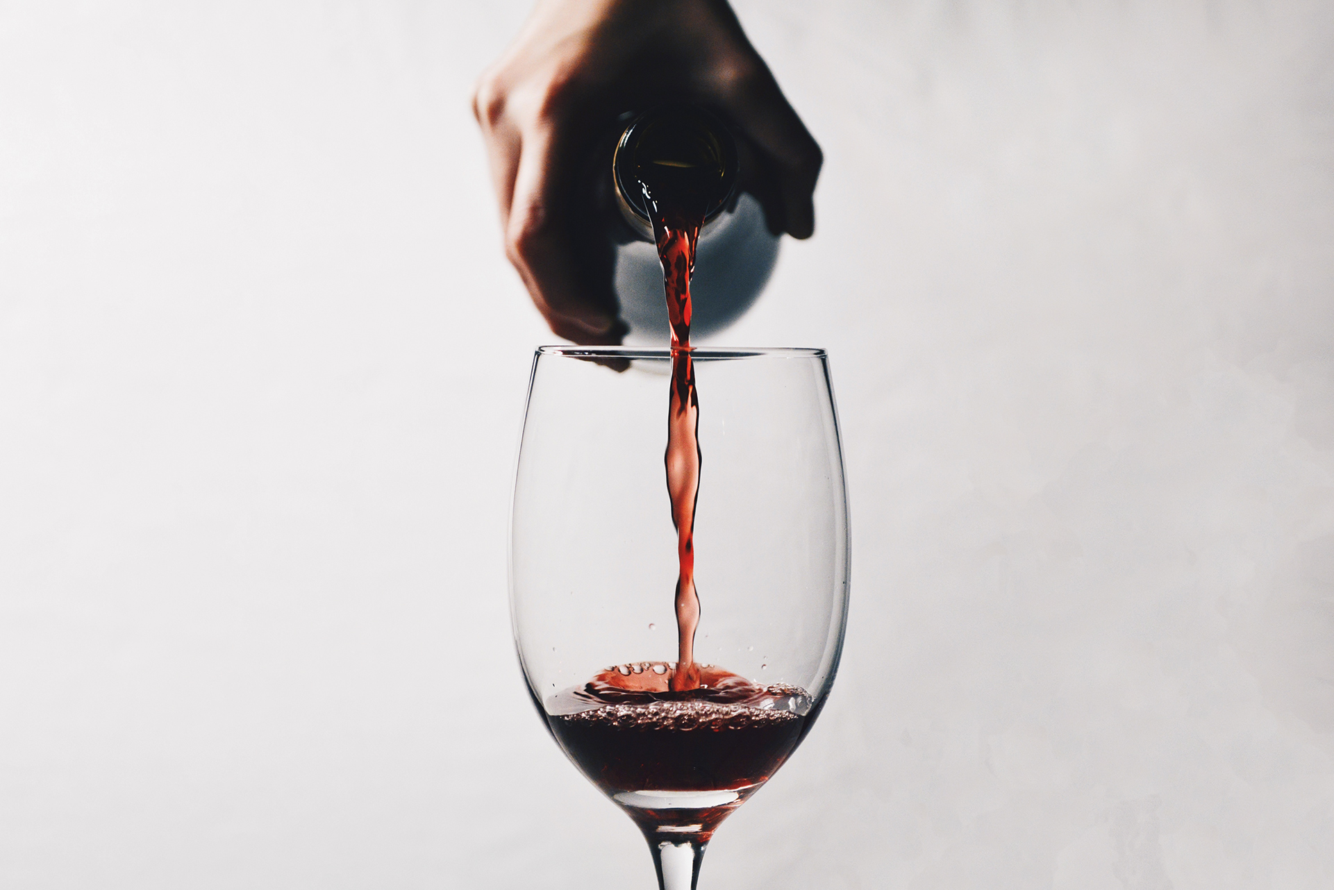 Drinking Only One Type Of Wine Is Bad For Your Palate photo