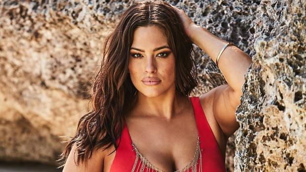 Ashley Graham Was First Pregnant Model To Walk For Tommy Hilfiger photo