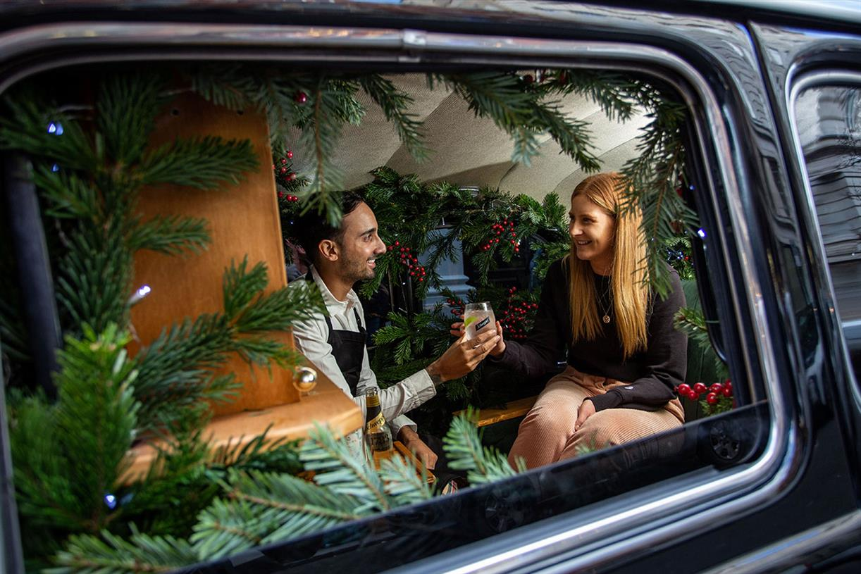 Schweppes Transforms London Black Cab Into Miniature Bar photo