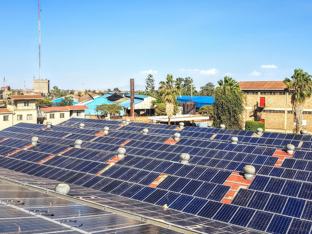 Zimbabwe: Dpa Inaugurates Solar Off Grid On The Rooftop Of A Schweppes Plant photo