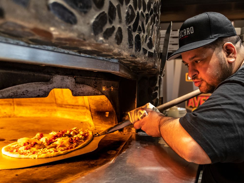 Brownstein: Montreal Pizzeria Chain Aims To Settle Pineapple Debate photo