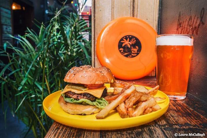 Maui Waui burger, chips and a pint of beer photo