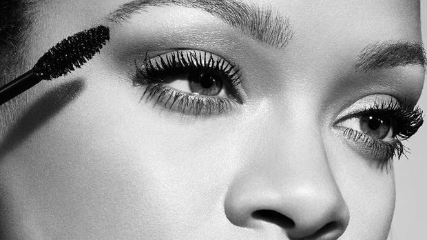 Rihanna Set To Launch Fenty Full Frontal Mascara photo