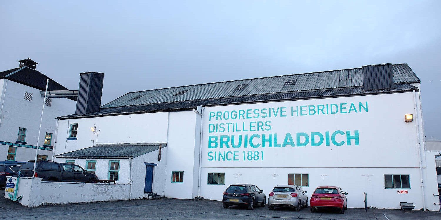 How This Scottish Whisky Distillery Will Go 100% Green By 2025 photo