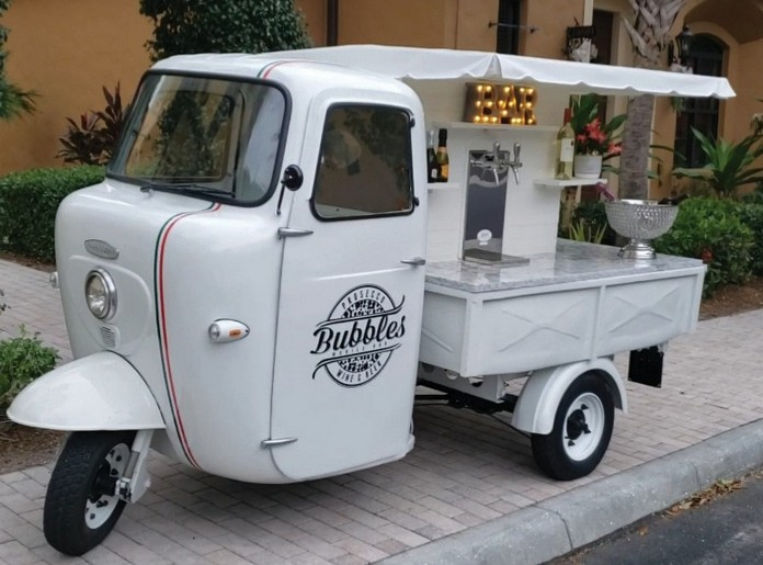 Meet Bubbles. The Smallest mobile Wine Bar in Italy photo