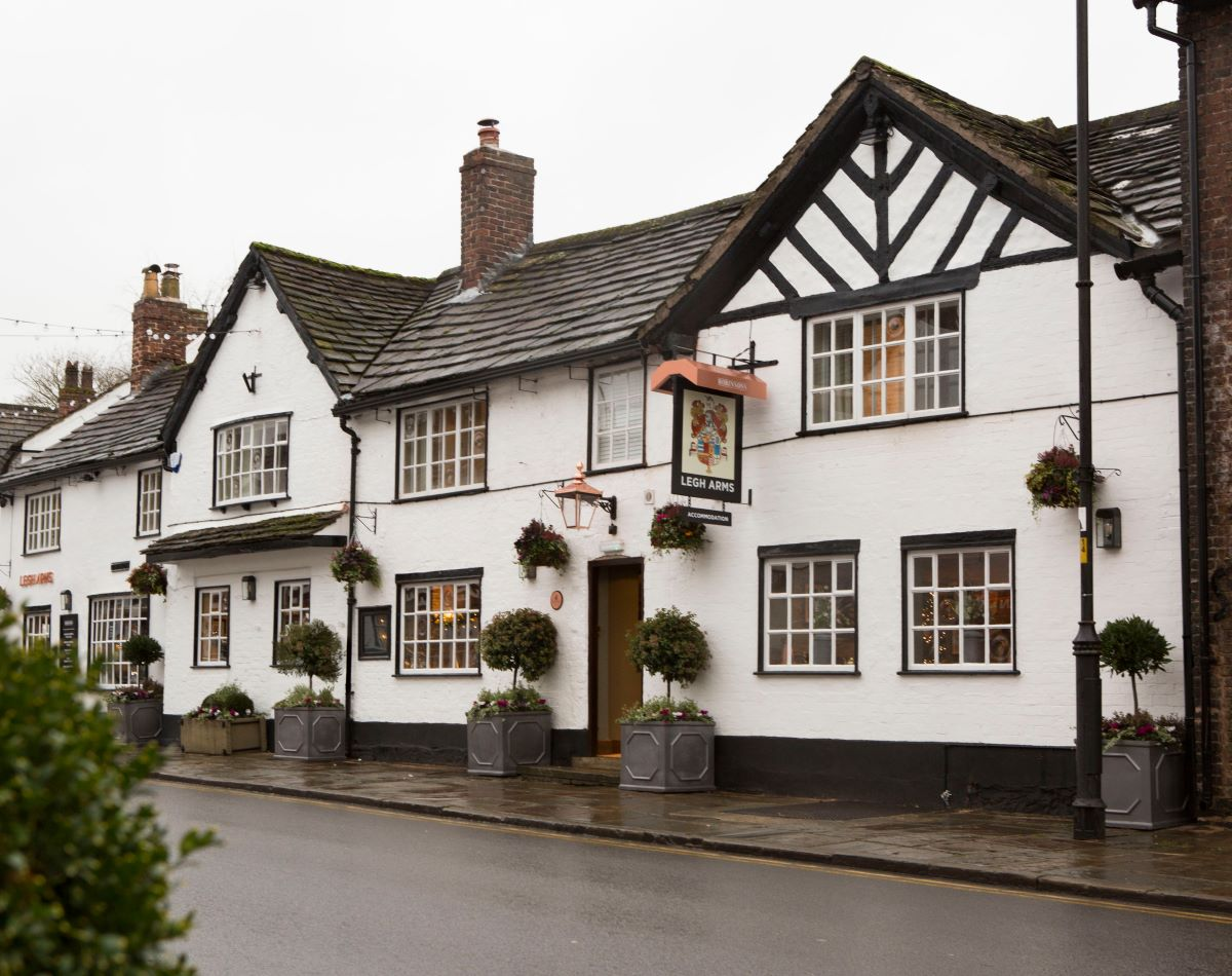 Cheshire Pub Reopens Following Stockport Brewery?s Investment photo