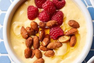Recipe: Mango-almond Smoothie Bowl photo