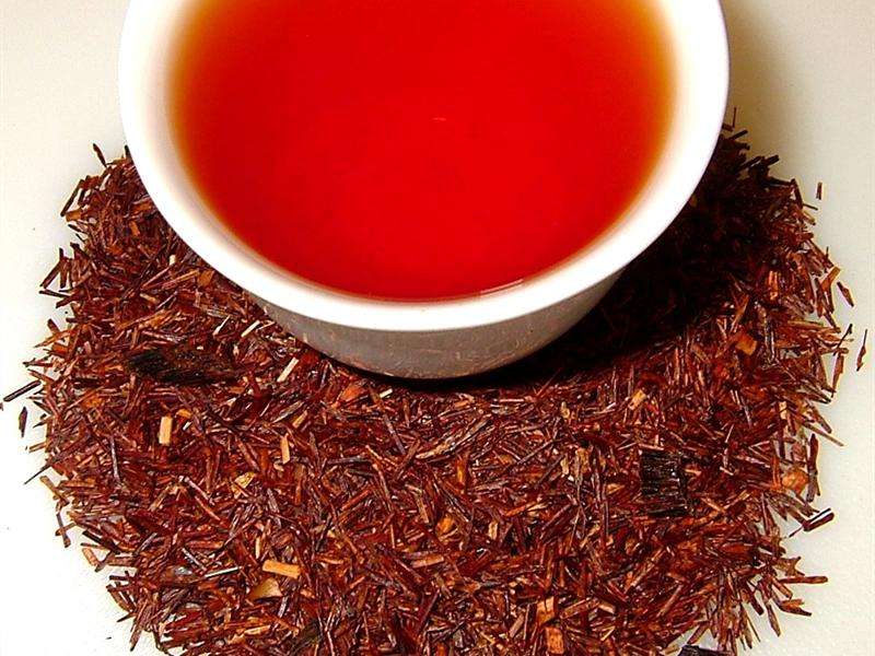 Here's Why You Should Drink A Warm Cup Of Rooibos Tea On A Hot Summer's Day photo