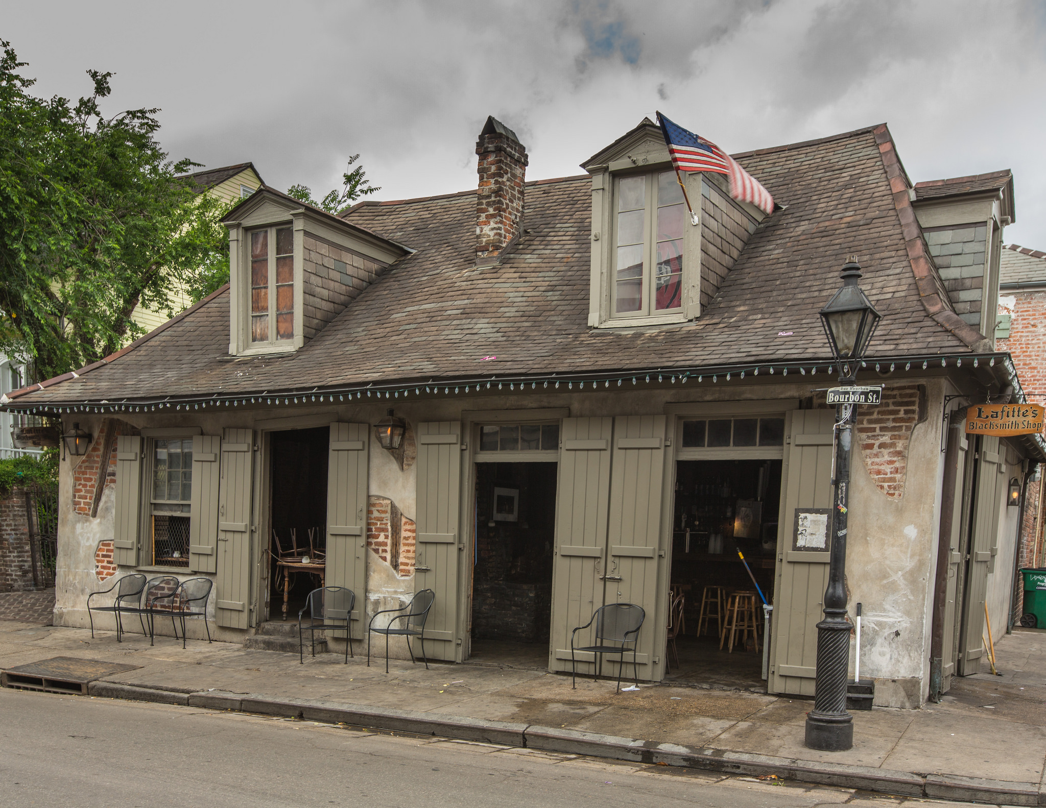 This Is The Oldest Bar In The United States photo