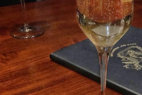 Western Canada Restaurant Chain Adds Benjamin Bridge To Wine List photo