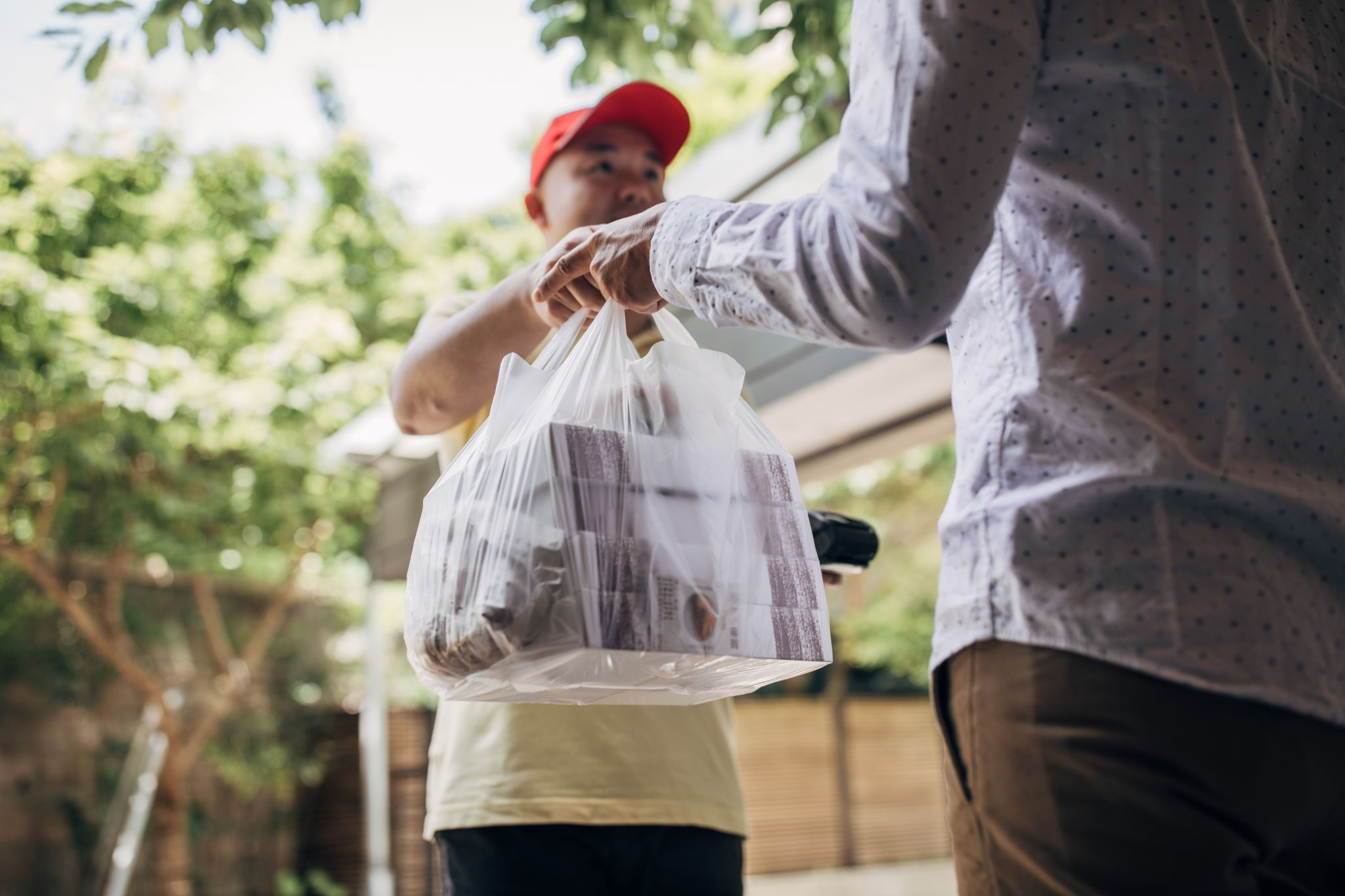 California Proposes Law To Protect Restaurants Being Added To Food Delivery Apps Without Permission photo
