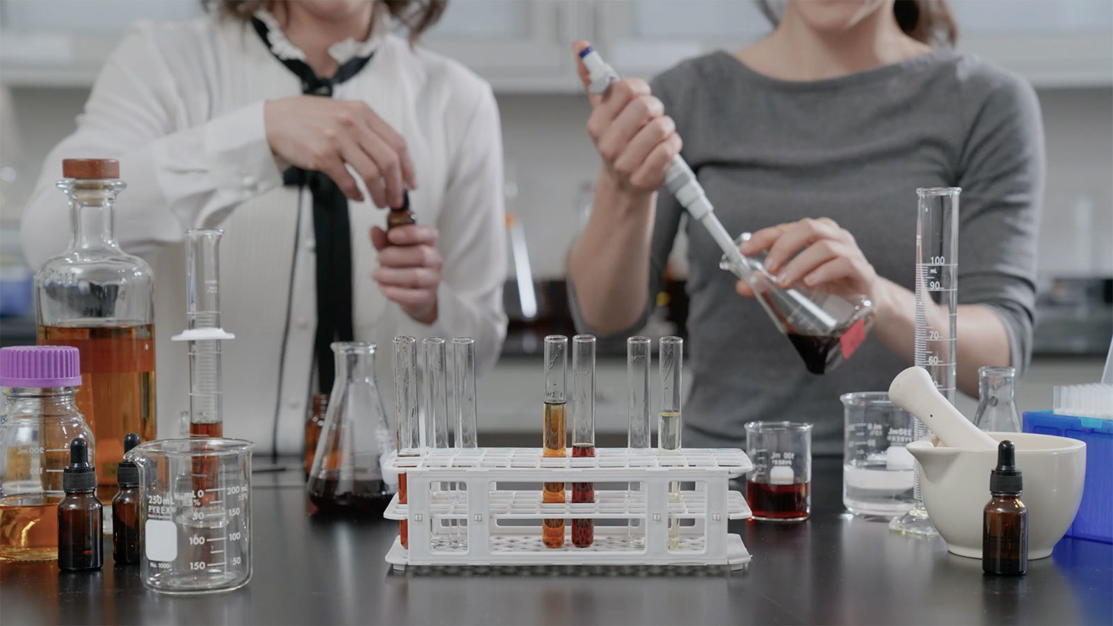 Test-tube Tasting? Bev Tech Company Unveils Grape-less 'molecular Wine' photo