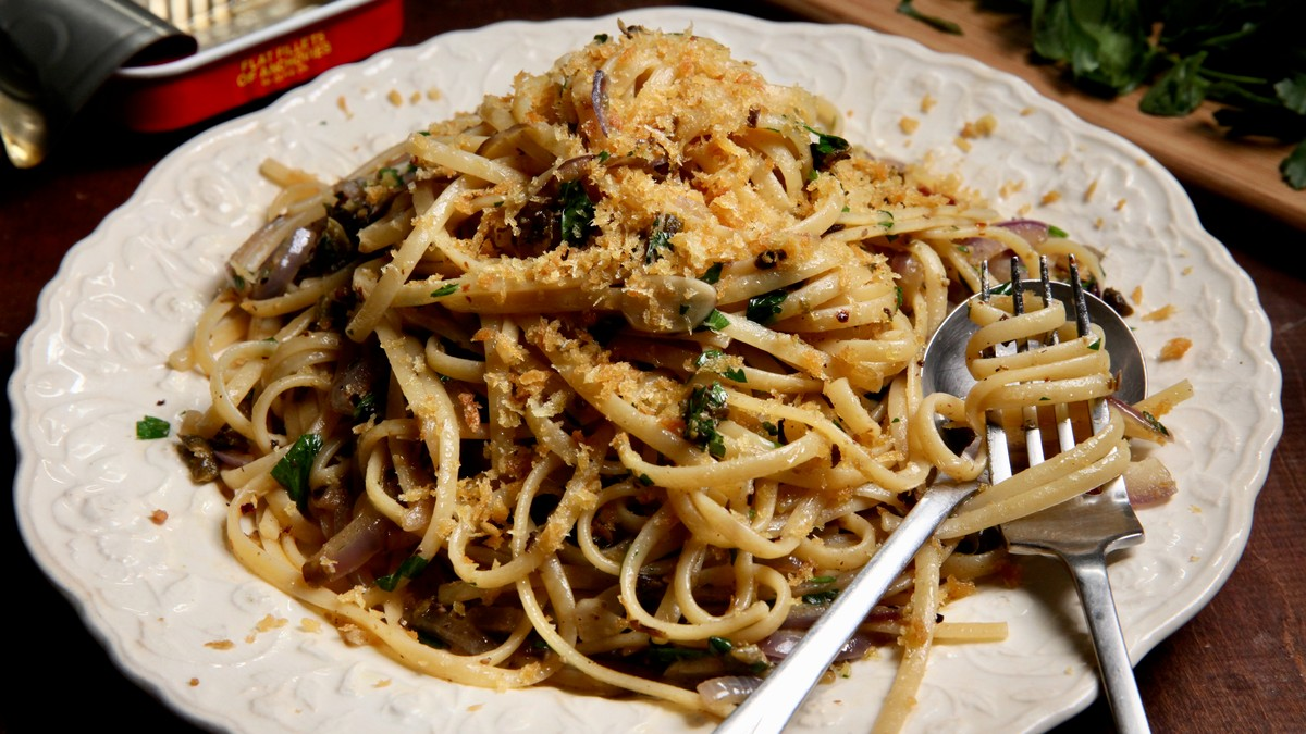 Pantry Pasta With Linguine And Anchovies Recipe photo