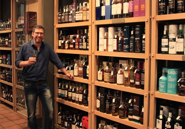 Sa Whisky Retailer Crowned Best In The World photo