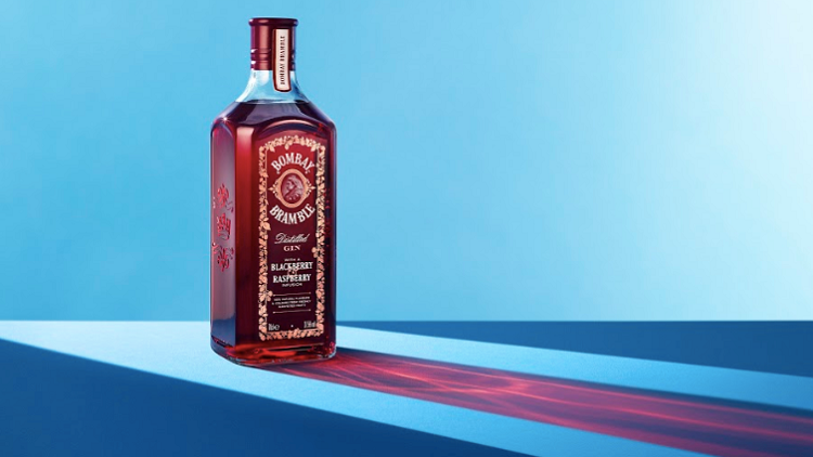 Bombay Sapphire Launches Berry Gin photo
