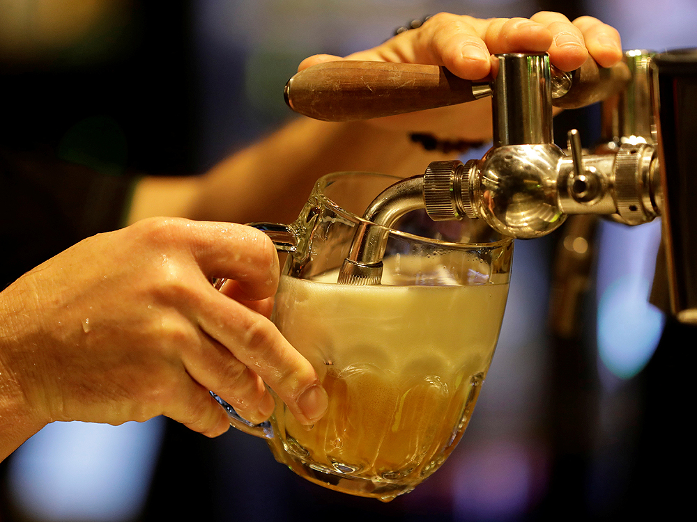 Czech Pubs Prepare To Turn Off Taps Early To Contain Coronavirus photo